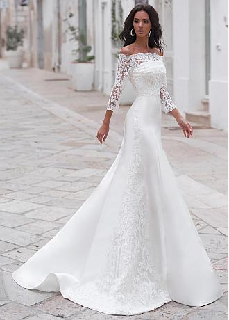 Winsome Tulle Strapless Neckline Mermaid Wedding Dresses With Detachable Shawl