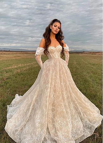 Alluring Lace & Tulle Sweetheart Neckline A-line Wedding Dresses