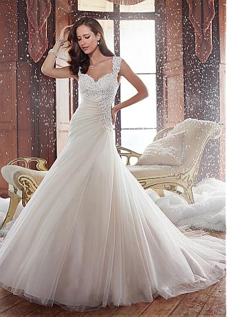 Glamorous Tulle Sweetheart Neckline A-line Wedding Dress With Beaded Lace Appliques