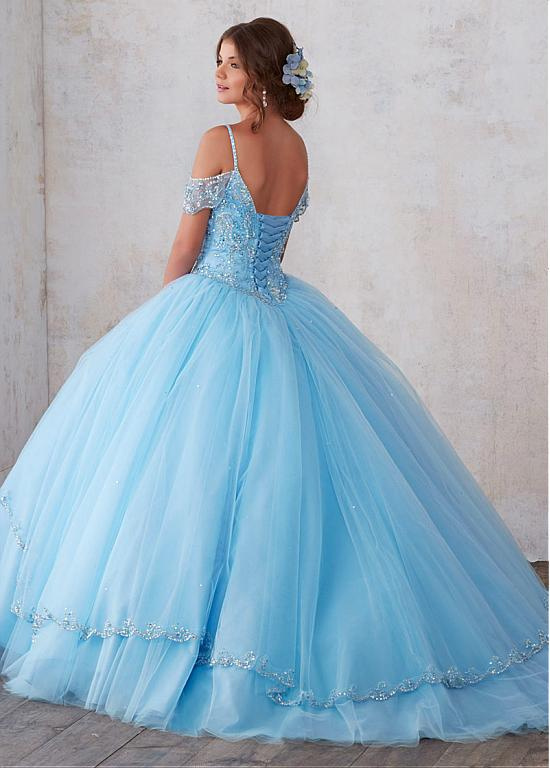 Stunning Tulle Spaghetti Straps Neckline Ball Gown Quinceanera Dresses With Beadings