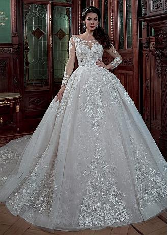 Gorgeous Tulle & Lace Scoop Neckline Ball Gown Wedding Dress With Beaded Lace Appliques