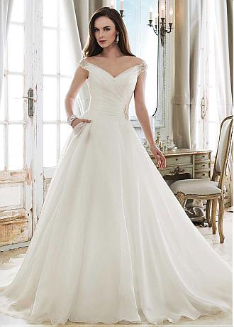 Fashionable Tulle & Organza V-neck Neckline A-line Wedding Dress With Beadings