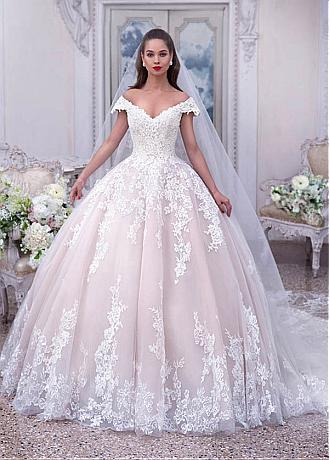 Eye-catching Tulle Off-the-shoulder Neckline Ball Gown Wedding Dresses With Beaded Lace Appliques