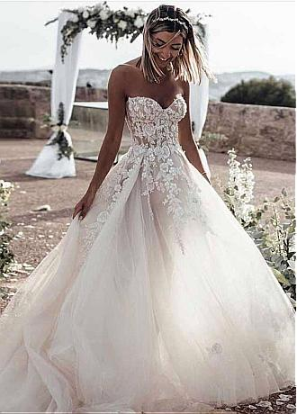 Unique Tulle Sweetheart Neckline A-line Wedding Dresses With Beaded Lace Appliques