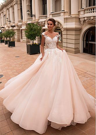 Winsome Tulle Jewel Neckline A-line Wedding Dresses With Beadings & Lace Appliques