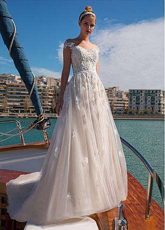 Modern Tulle Jewel Neckline A-line Wedding Dresses With Lace Appliques & Beadings & Belt